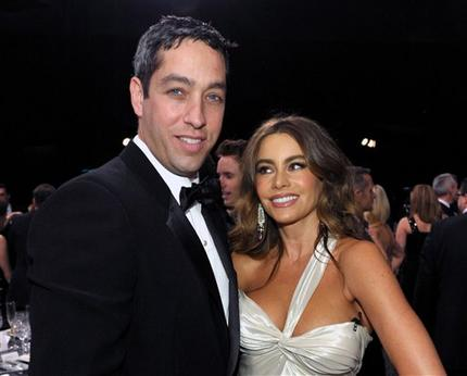En esta imagen de archivo, tomada el 27 de enero de 2013, Nick Loeb (izquierda) y Sofía Vergara posan en la 19na gala de los Screen Actors Guild Awards en el auditorio Shrine de Los Ángeles. (Foto de John Shearer/Invision/AP, archivo)