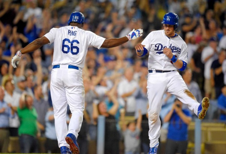 Dodgers ganan a Oakland tras remontar en 7mo inning
